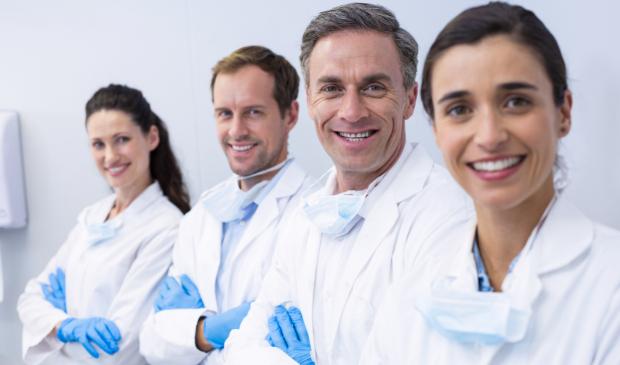 profissionais de franquia odontologica